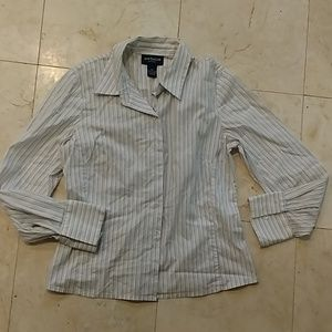Ann Taylor Strech fitted button-down shirt, 6P